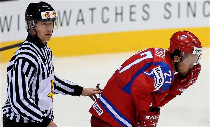 Виталий Атюшов — матч с датчанами начался для него с травмы