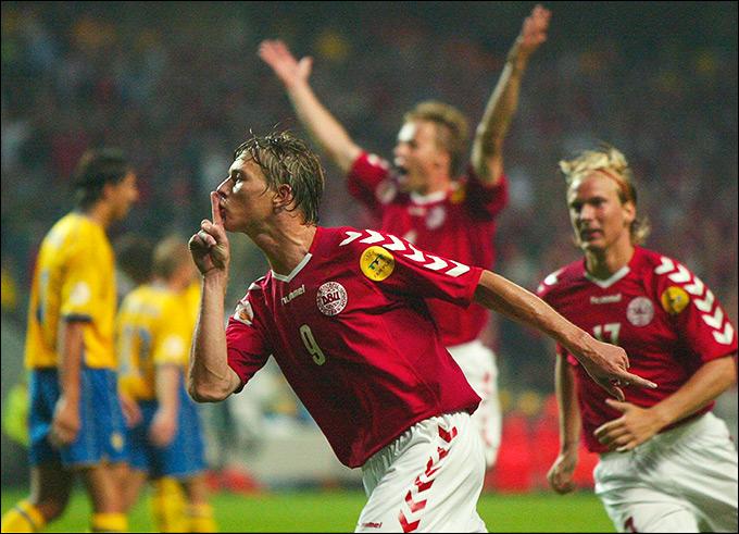 """На Евро-2004 Швеция и Дания """"слили"""" итальянцев"""