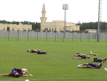 Футболисты, которые в пятницу выходили на поле в стартовом составе, на этот раз занимались в щадящем режиме