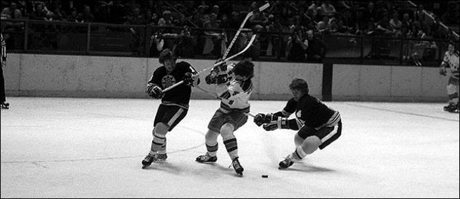 """Фрагменты сезона. 23 марта 1975 года. Регулярный чемпионат. """"Нью-Йорк Рейнджерс"""" - """"Бостон Брюинз""""."""
