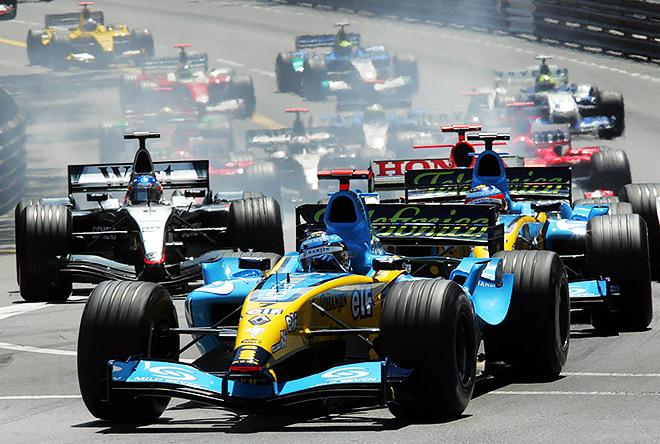 Трулли лидирует в Гран-при Монако