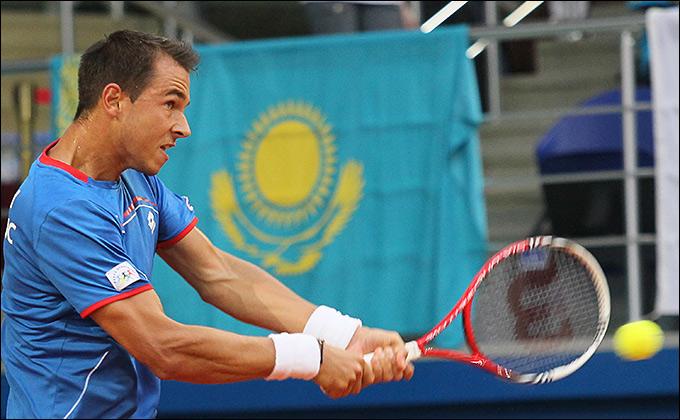 Лукаш Росол выиграл две одиночки в четвертьфинале