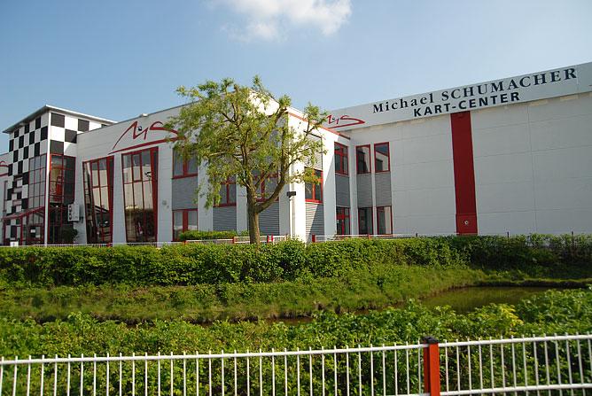 Картинг-центр им. Михаэля Шумахера в Карпене.
