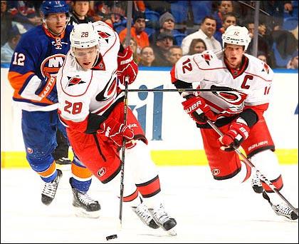 Александр Сёмин забросил двухсотую шайбу в НХЛ