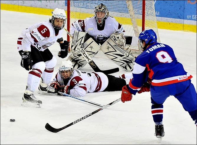 17.04.2010. Чемпионат мира U-18. Словакия - Латвия - 4:3. Фото 02.