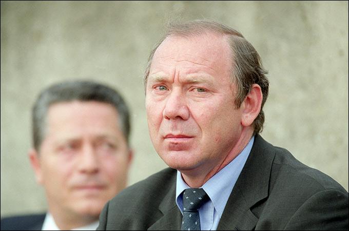 В 2001 году сборной России руководил Олег Романцев