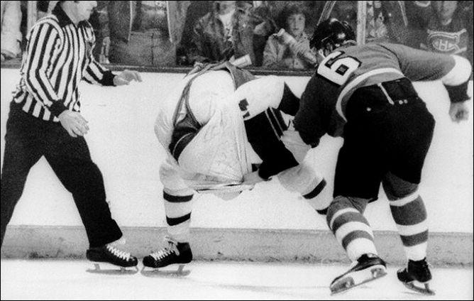 "Фрагменты сезона. 11 мая 1976 года. Финал. ""Монреаль Канадиенс"" - ""Филадельфия Флайерз""."