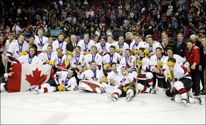 Топ-100 историй ИИХФ. История № 11. Канада выигрывает первую Олимпиаду за полвека. Фото 03.