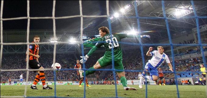 Второй гол Зозули в ворота Пятова