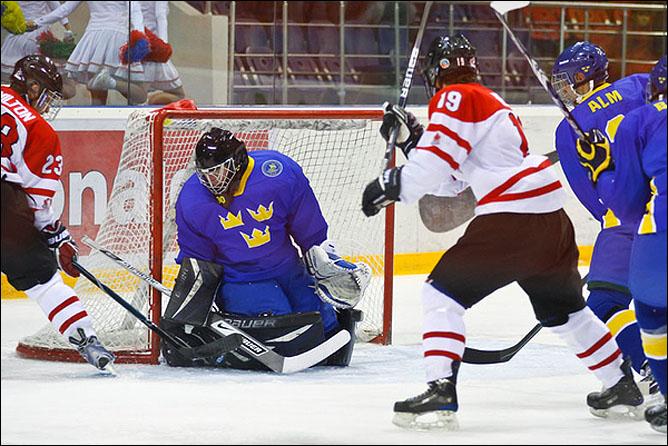 18.04.2010. Чемпионат мира U-18. Швеция - Канада - 5:4. Фото 01.
