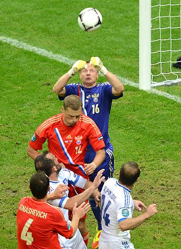 Вячеслав Малафеев на Евро-2012 в матче против сборной Греции