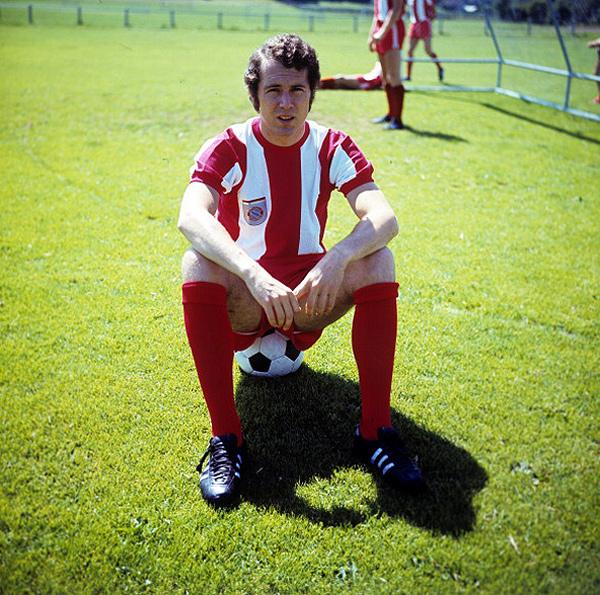 С 1964 по 1977 год Беккенбауэр провёл 427 матчей за «Баварию», забив в них 60 голов