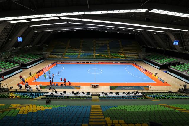 Лазурный паркет чемпионата мира по мини-футболу