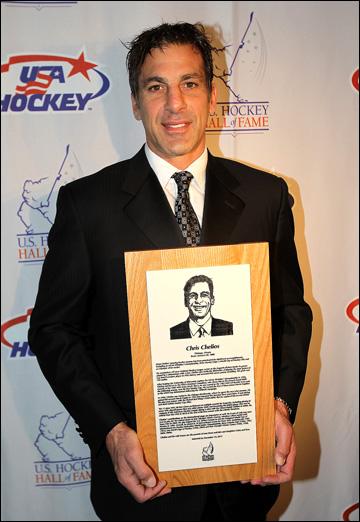 Крис Челиос при введении в Зал хоккейной славы США