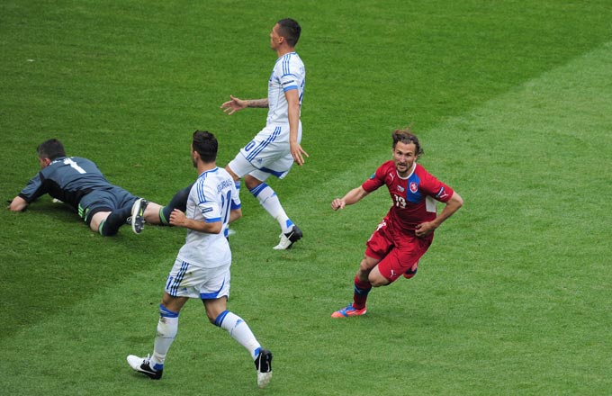 Петр Йирачек забивает первый гол