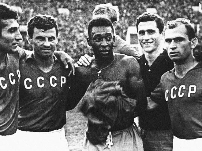 4 июля 1965 года в Советский Союз пожаловали Пеле и знаменитая на весь мир сборная Бразилии