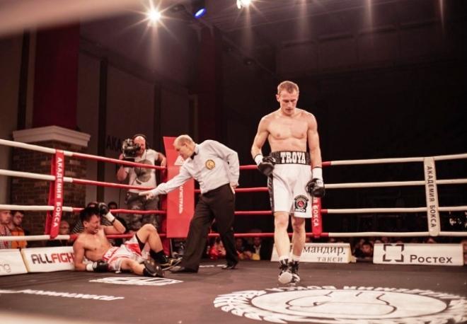 Трояновский нокаутировал Понтильяса в третьем раунде