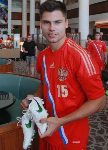 Защитник молодёжной сборной России Максим Беляев