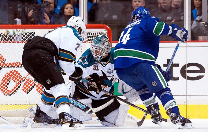 "1 мая 2013 года. Ванкувер. Плей-офф НХЛ. 1/8 финала. Матч № 1. ""Ванкувер"" — ""Сан-Хосе"" — 1:3."