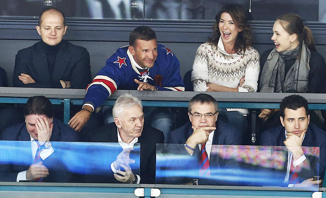 Андрей Шевченко в свитере СКА на матче с московским «Динамо»