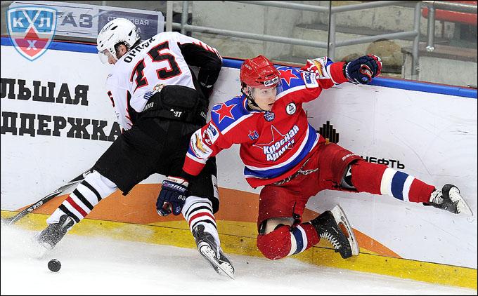 Сергей Барбашев (справа) против Евгения Орлова
