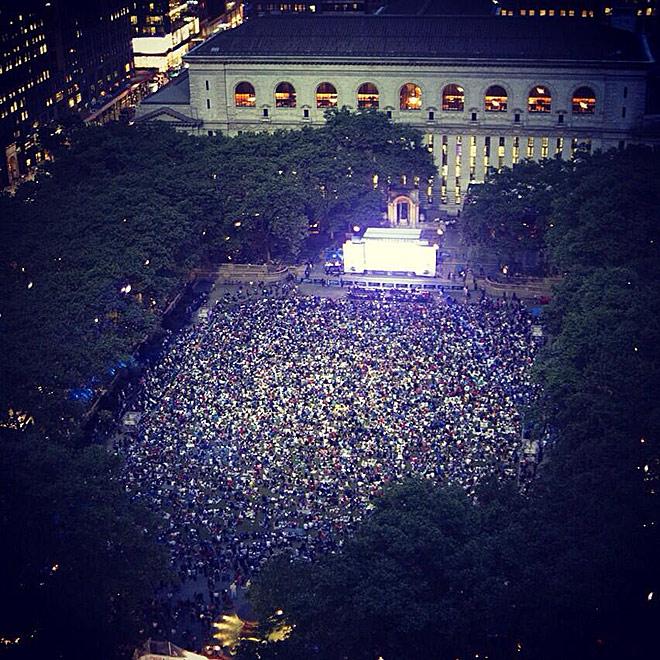 Тысячи разочарованных фанатов «Рейнджерс» в «Брайант-Парке»