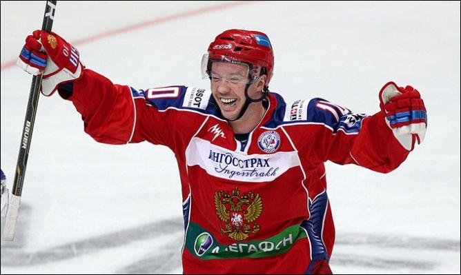 Сергей Мозякин - он еще и в сборной отметился.