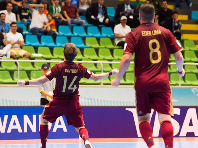Давыдов забил первый гол России на чемпионате мира по мини-футболу