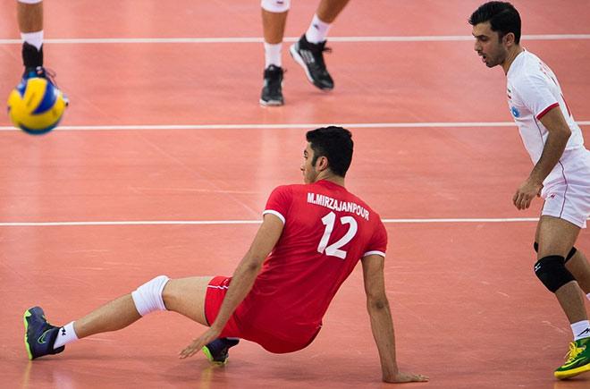 Сборная Ирана продолжает бороться за выход в следующий раунд