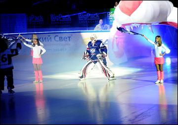 По красочности церемония открытия матча в Орске не уступает КХЛовским