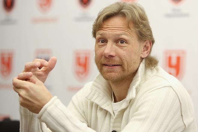 Валерий Карпин в гостях у «Чемпионата»