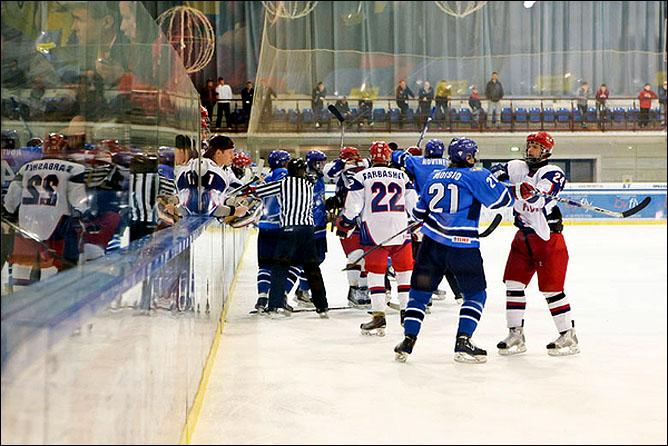 23.04.2010. Чемпионат мира U-18. Россия - Финляндия - 1:5. Фото 03.