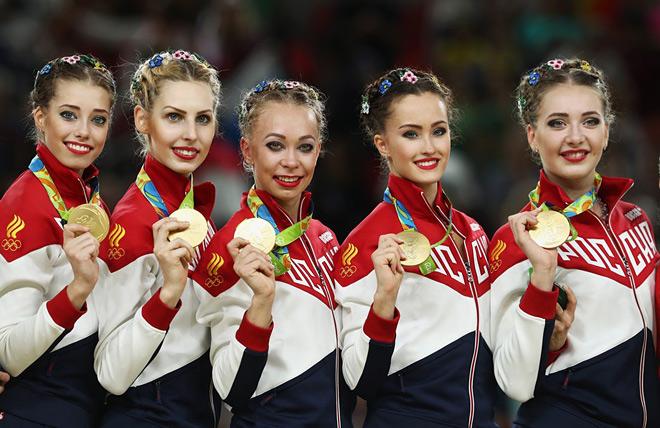 Вера Бирюкова, Анастасия Близнюк, Анастасия Максимова, Анастасия Татарева и Мария Толкачева