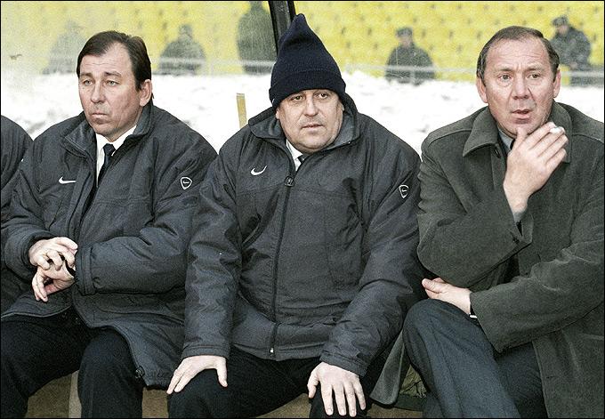 Олег Романцев (справа)