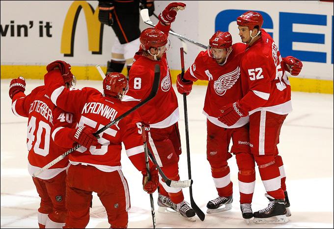 """10 мая 2013 года. Детройт. Плей-офф НХЛ. 1/8 финала. Матч № 6. """"Детройт"""" — """"Анахайм"""" — 4:3 (ОТ). Едем на седьмую игру!"""