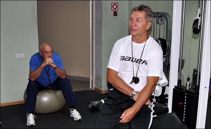 Сергей Шепелев и Николай Соловьёв (на заднем плане) на тренировке