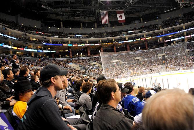 Макс Кац. Поход на хоккей. Фото 05.