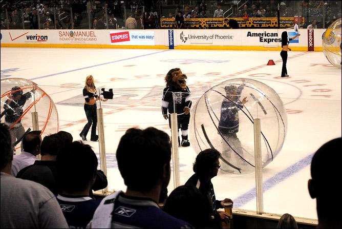 Макс Кац. Поход на хоккей. Фото 07.