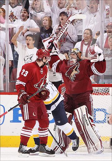 "8 мая 2012 года. Глендейл. Плей-офф НХЛ. 1/4 финала. ""Финикс Койотс"" — ""Нэшвилл Предаторз"" — 2:1"