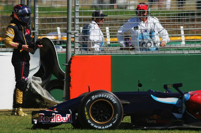 Сход Спида на Гран-при Австралии