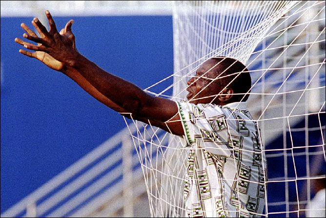 Первый гол Нигерии в финальных стадиях ЧМ.