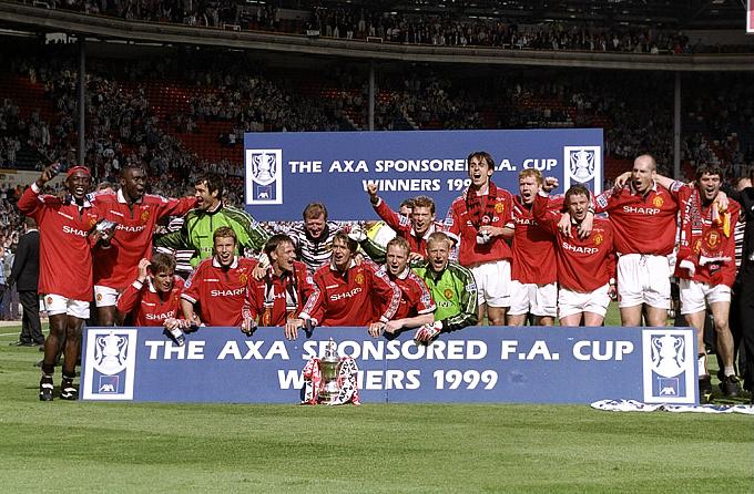 """""""Манчестер Юнайтед"""" образца 1999 года, выигравший Лигу чемпионов, чемпионат Англии и Кубок Англии"""
