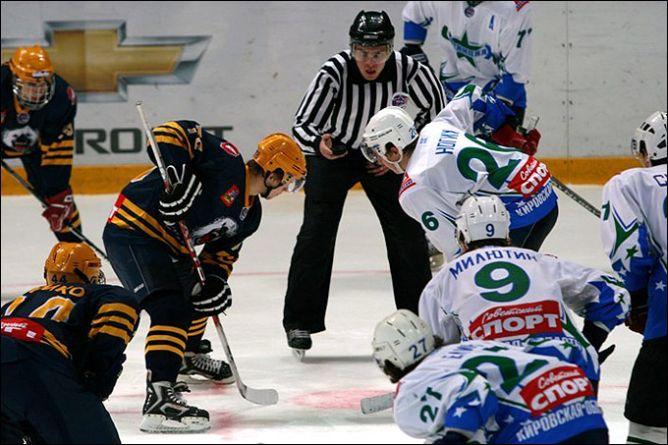 Молодёжная хоккейная лига.