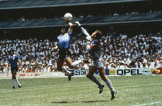 Знаменитая «божья рука» Марадоны на чемпионате мира 1986 года