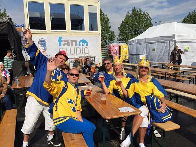 фанаты сборной Швеции
