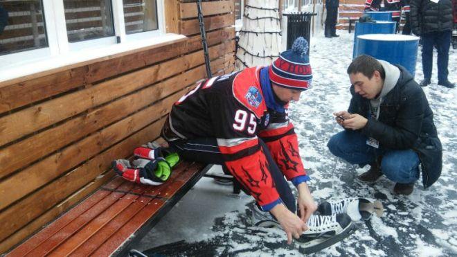 Алексей Морозов готовится выйти на лёд