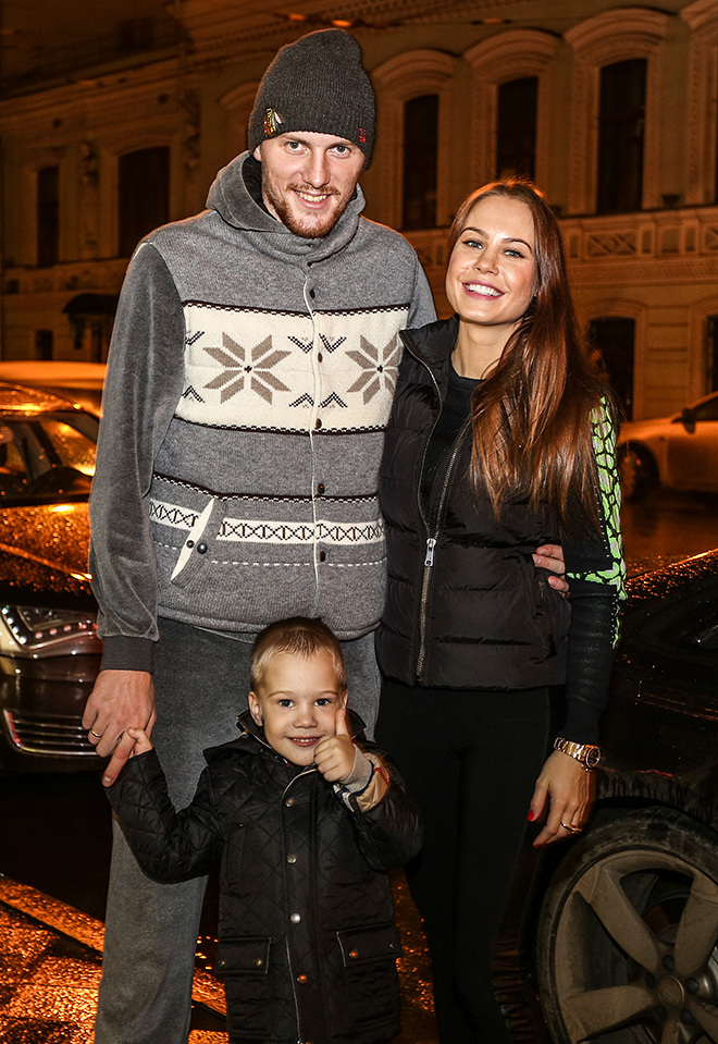 Олег Иванов с семьёй