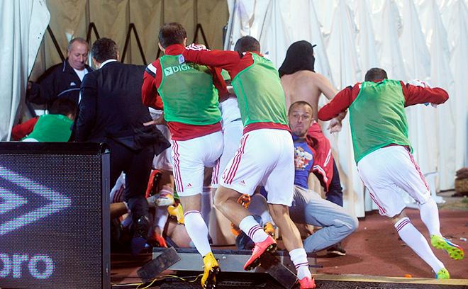 Матч Сербия — Албания был прерван из-за беспорядков на стадионе