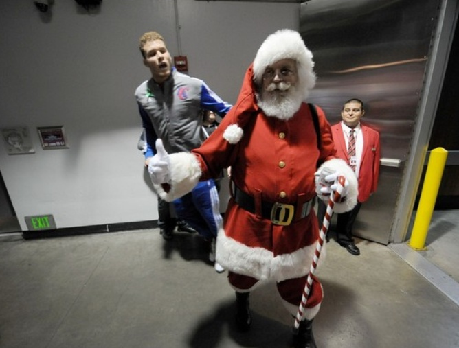 Блэйк Гриффин: Санта, подари мне перстни!