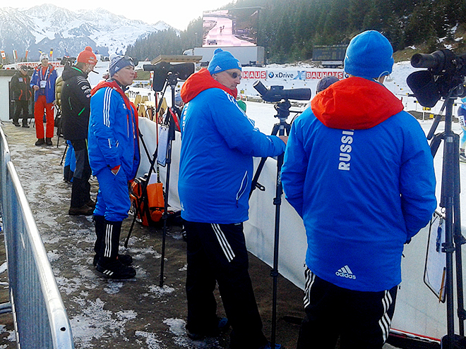 Российские тренеры после третьей стрельбы